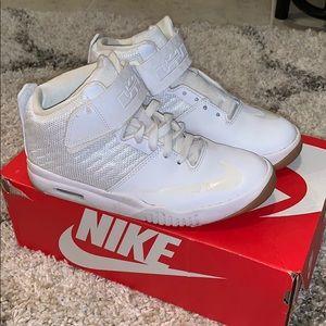 White Nike Air Akronite (GS) Lebron Youth 5